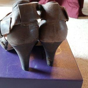 ec8bd9b872a Clarks Shoes - Clarks Luna comet heeled Strappy sandal